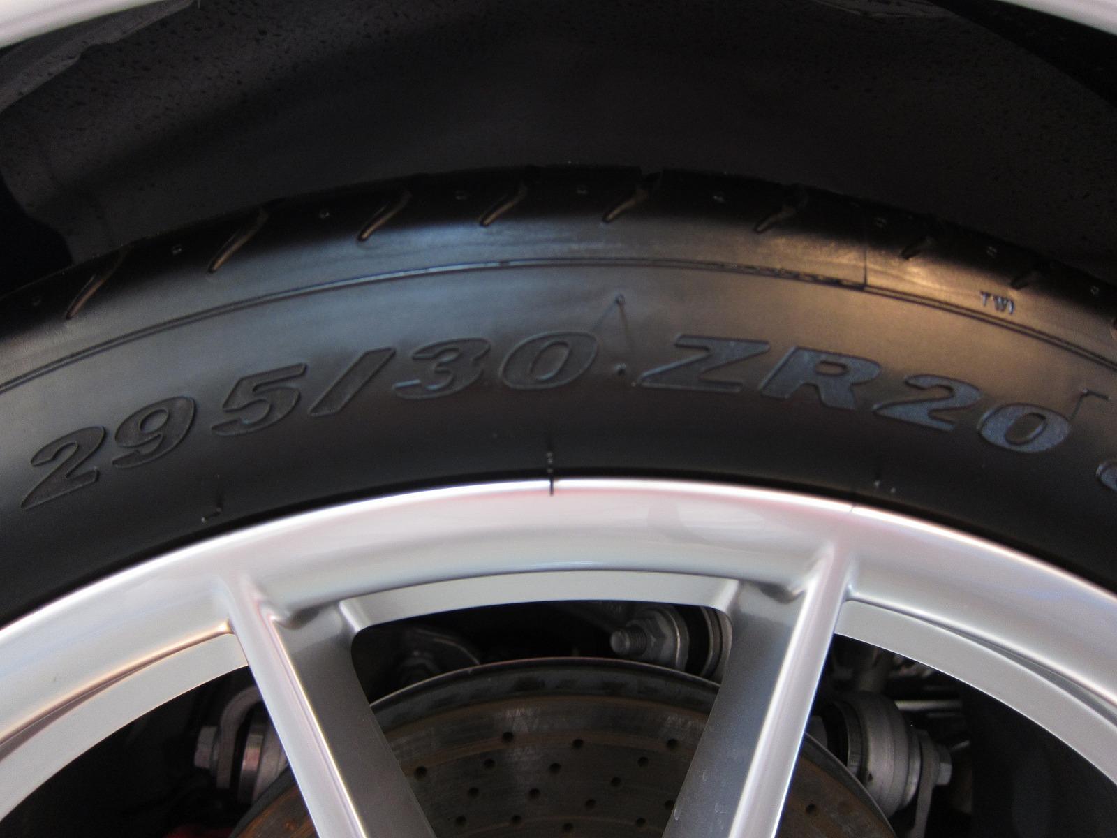 120929-porsche-911-carreras-991-13