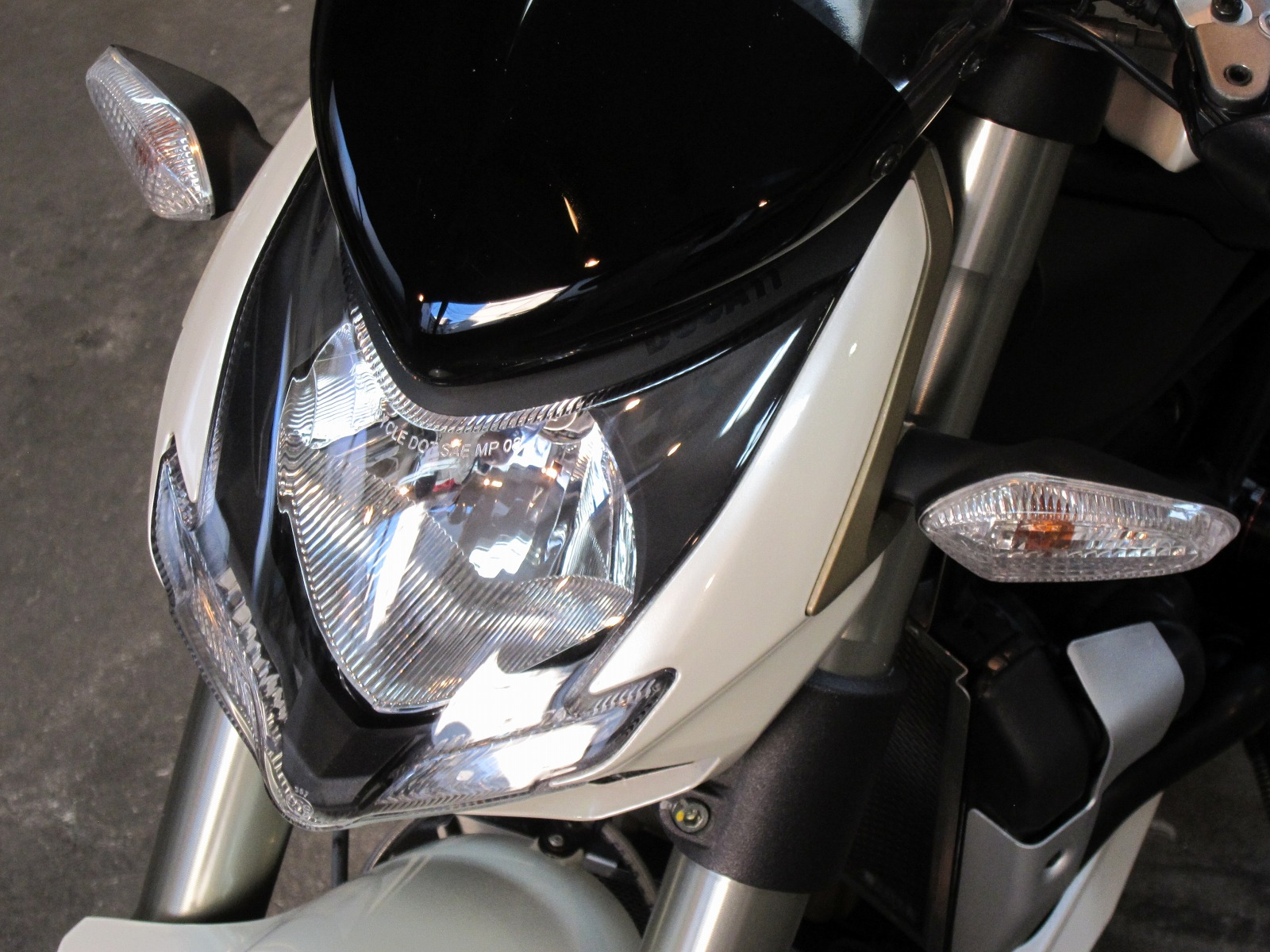 20130221-ducati-streetfighter-12