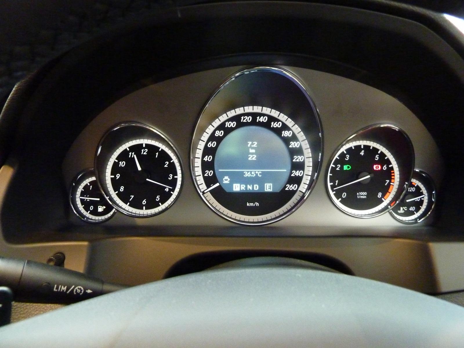 20130823-mercedes-benz-e350-03