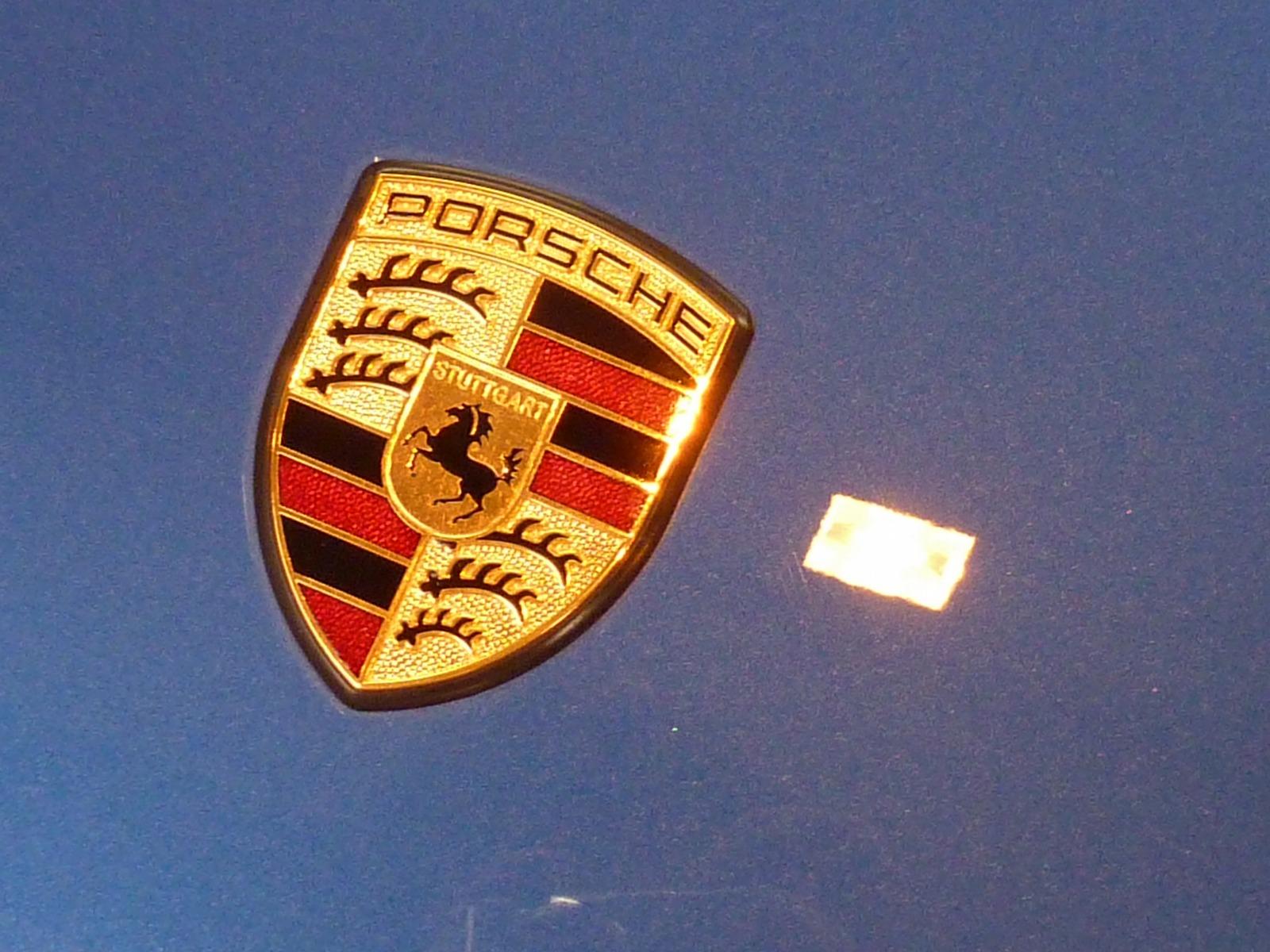 20130827-porsche-caymans-04