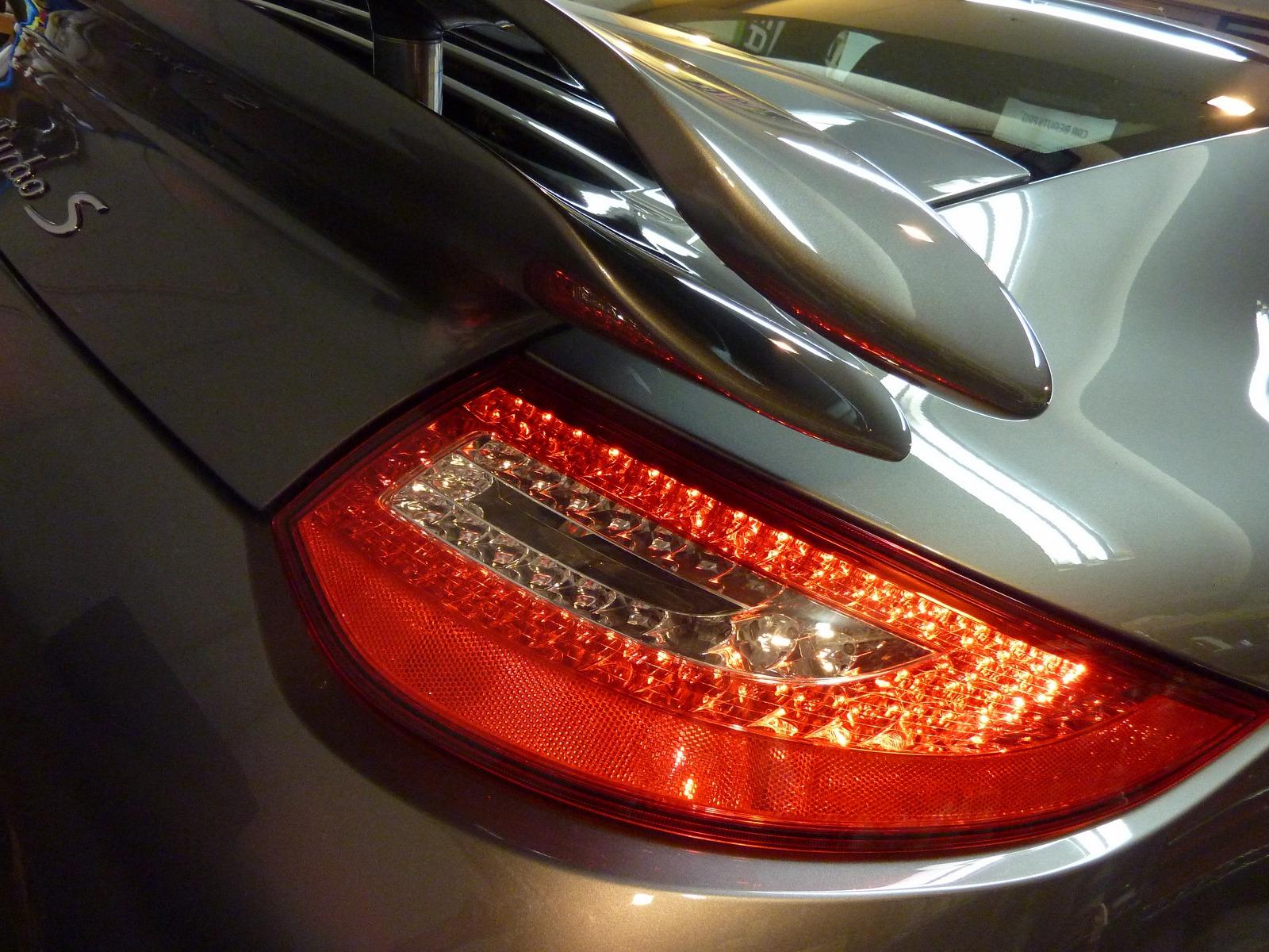 20140131-porsche-911-turbos-02