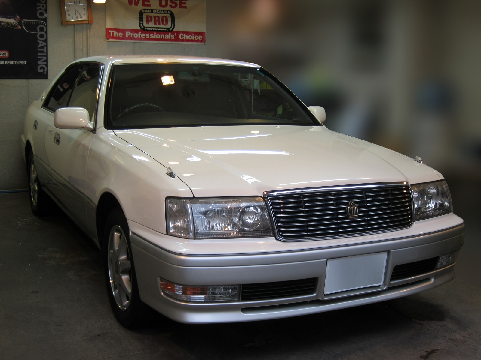 20151013-toyota-crown-01