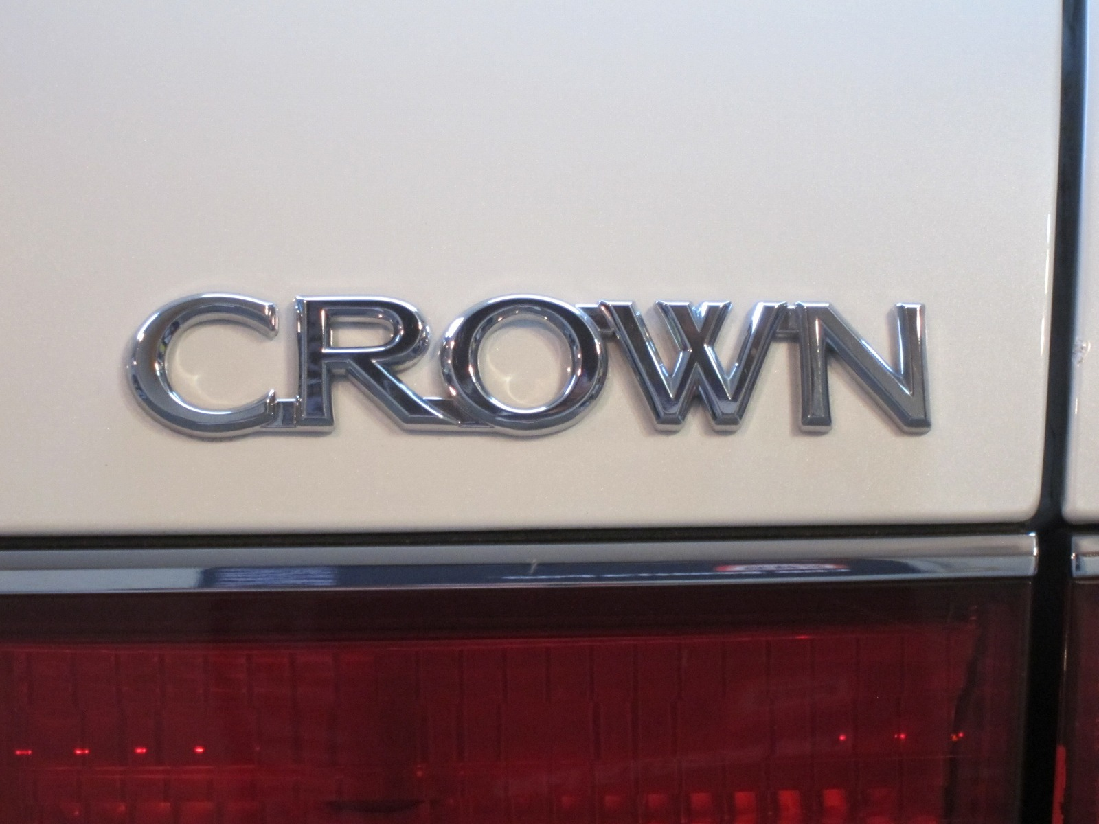 20151013-toyota-crown-06