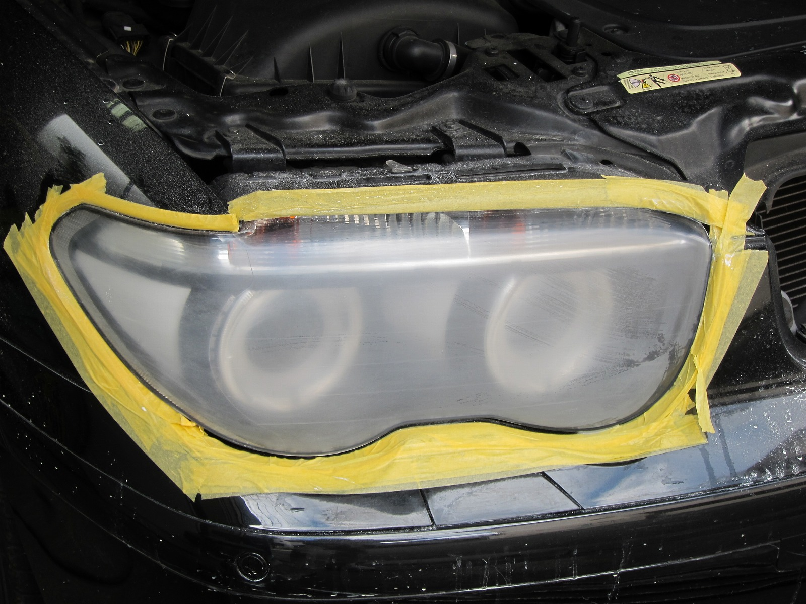 20160518bmw-745i-headlight-cleaning-07